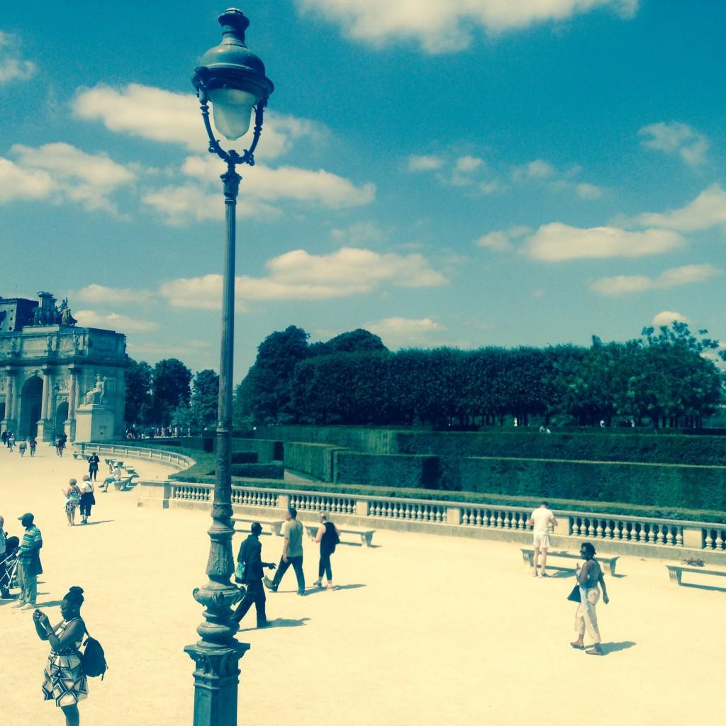 Am wunderschönen Louvre